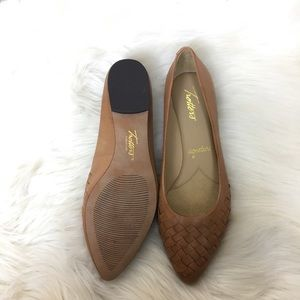 Trotters Shoes | Estee Pointed Toe Flat